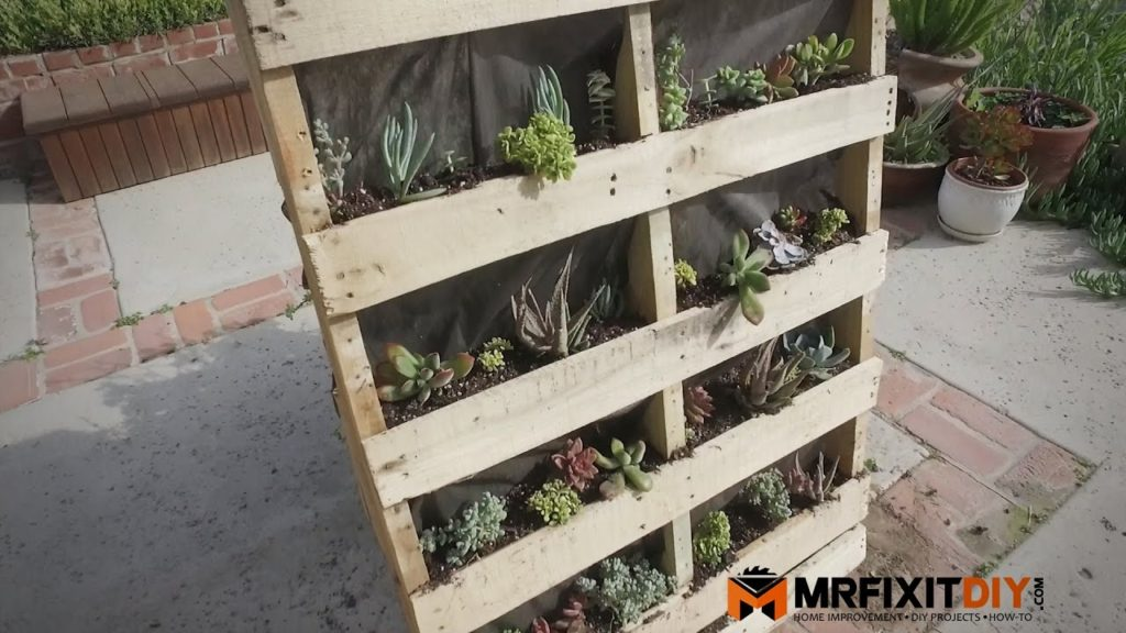 Using Pallet Wood In Your Diy Projects The Good The Bad