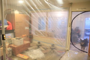 dust containment poles plastic walls