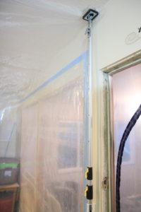 dust containment poles