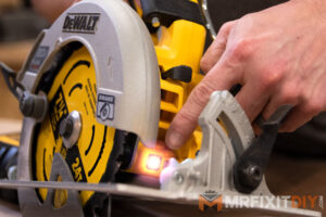 dewalt circular saw light