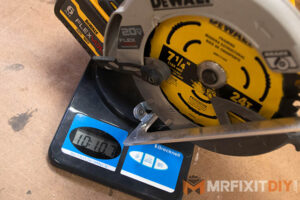 dewalt circular saw weight