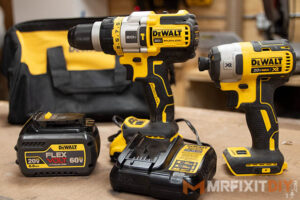 dewalt-20v-max-Brushless-Hammer-Drill-Driver-Combo-Kit-with-FLEXVOLT-ADVANTAGE